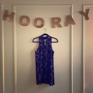 Francesca's Navy Floral Keyhole Dress